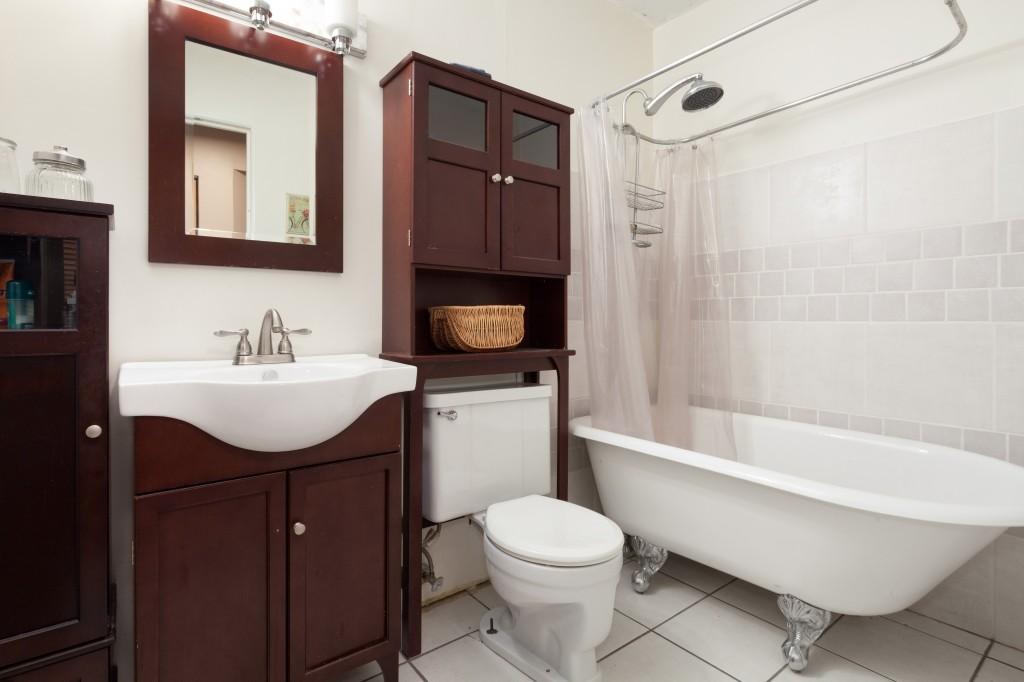 H22 Bath 1