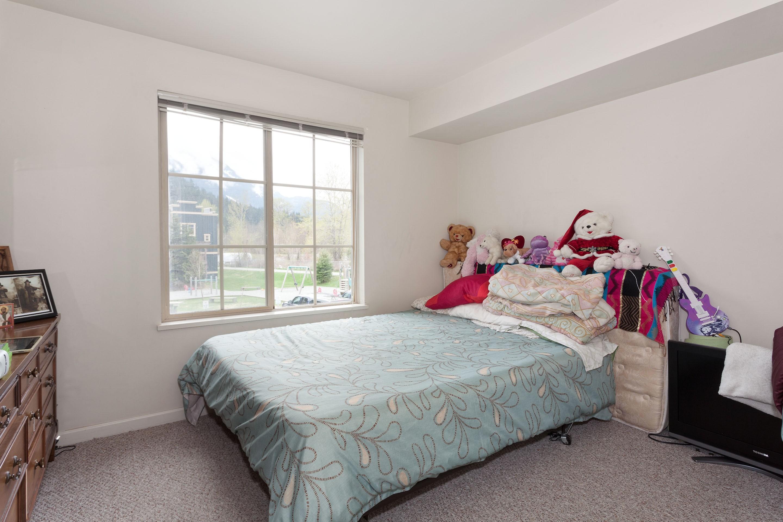 P6-1442 Bedroom 1