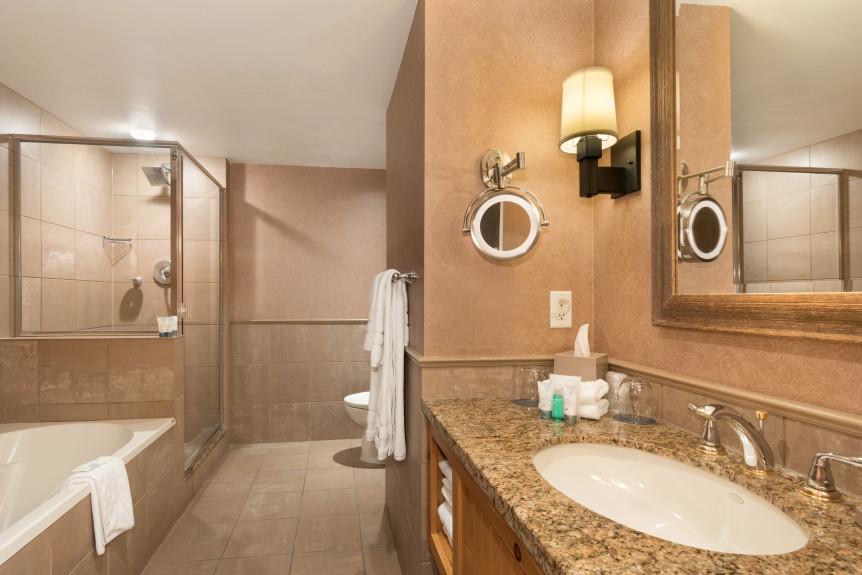 9-W655 Bath 1