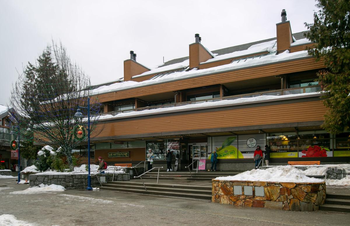 17-19 Hearthstone Lodge-exterior1