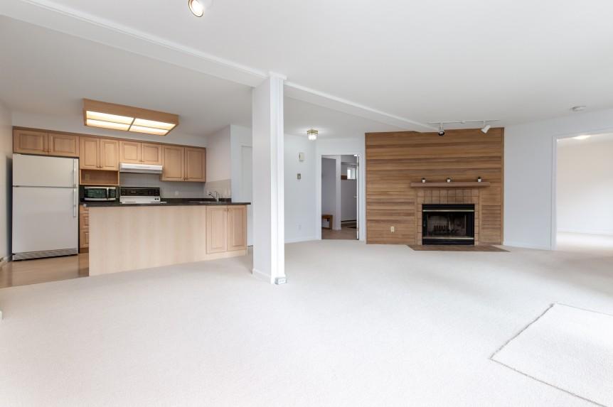2-46 Snowridge-living area2