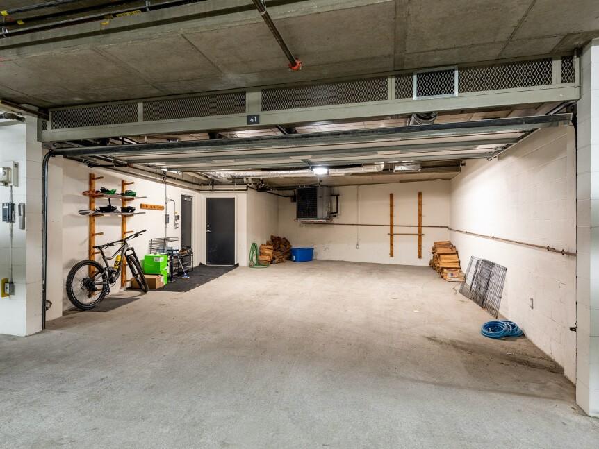 21-Garage