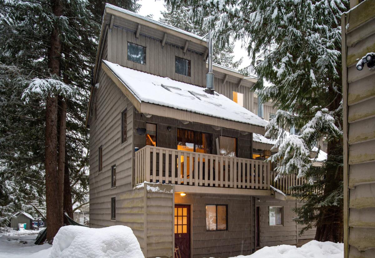 1-6 Slopehaus-exterior