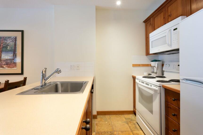 8 L102 Kitchen 2
